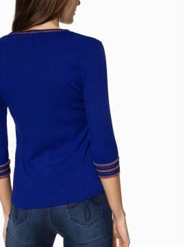 Джемпер женский Ультрамодный джемпер в рубчик с контрастными манжетами и мерцающим блеском 835 18С-522ТСП, размер 170-100, цвет electric blue