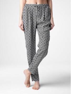 Брюки женские Легкие брюки с монохромным принтом LETICIA 15С-652БСП, размер 164-68-96, цвет black