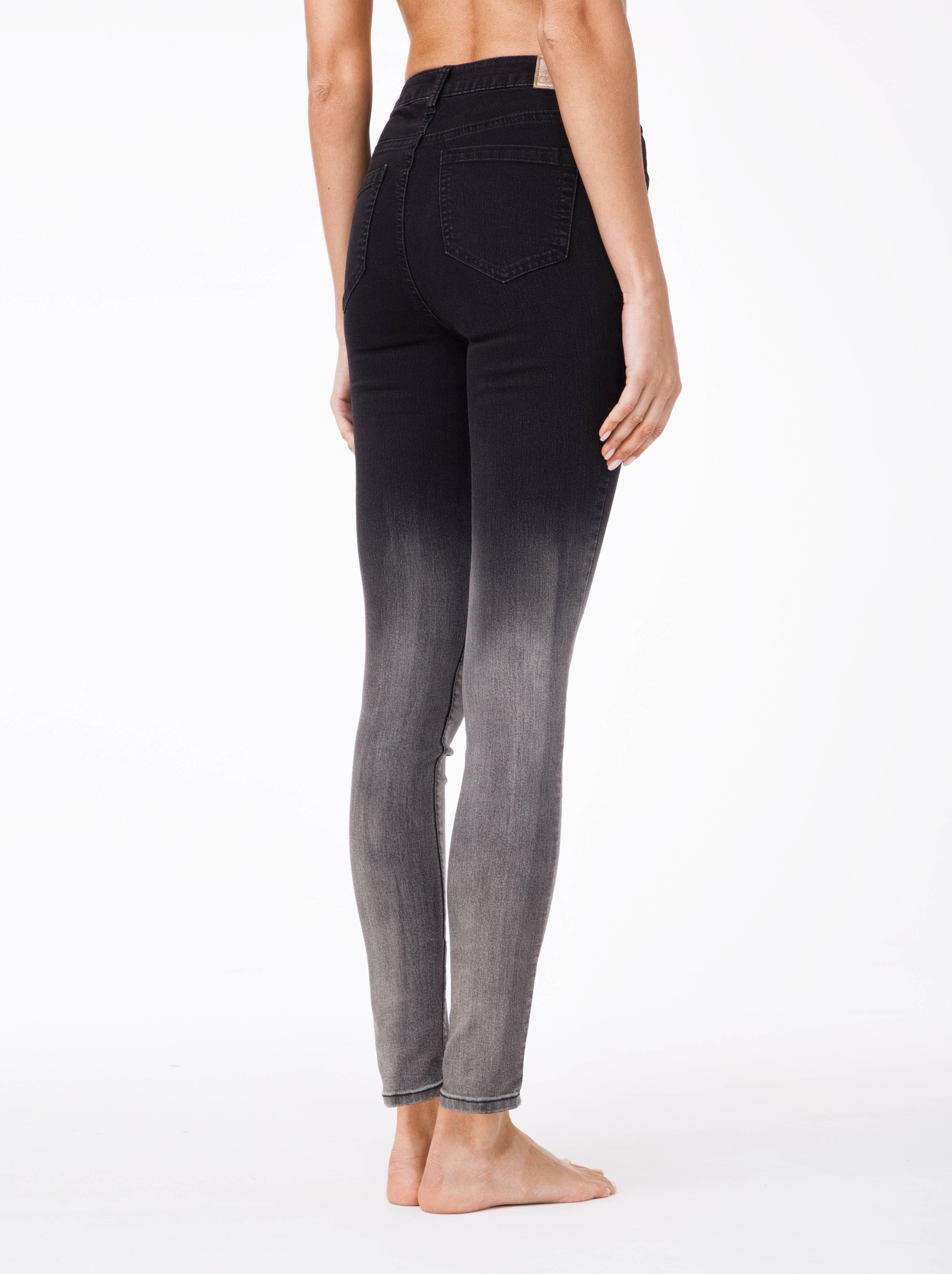 Фото 9 - Джинсы женские fashion Conte черного цвета